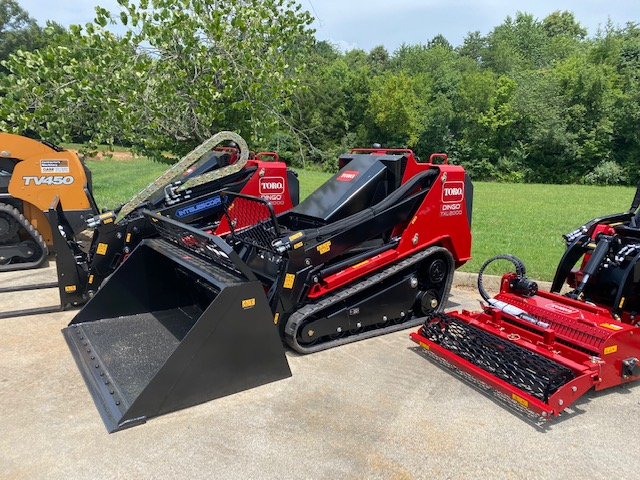Toro Dingo TXL 2000, the newest addition to the innovative landscaping series of compact utility loaders.
